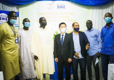 M. Tao JI, avec le PDG et les acteurs du projet